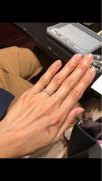 画像あり  結婚指輪をフルエタニティにしようと思いますが、こちらのリングでしたらエタニティでも普段毎日つけていても嫌味がありませんか?  あと、ファッションリングには見えませんか?  エクセルコダイヤモ...