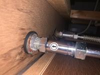 混合水栓の逆止弁 当方の家の混合水栓を交換する際に逆止弁も交換したいと思います。 写真の物はどこのメーカーの物かご存知の方がいらっしゃいましたら、教えていただけますでしょうか。 よ ろしくお願いします。