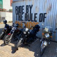 写真にあるバイクの車種すべ教えてください。