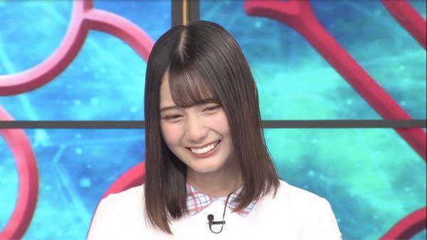 日向坂46の小坂菜緒が最近、歯に何かを施し、綺麗で(綺麗すぎて不自然)、白い歯になりましたが、あれ