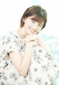 9月16日が24歳の誕生日のテレビ東京アナウンサーの田中瞳ちゃんに似合いそうなコスプレって何だと思われますか?