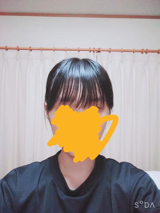 前髪を薄くしたいのですが、この前髪どう思いますか? (オイルつけすぎてテカテカになってます笑)オイルの付け方とかも教えて頂きたいです!!