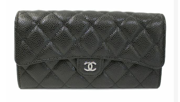 シャネルのキャビアスキンマトラッセの財布はシャネルの直営店でお値段いくらでしょうか? 分かるかた教えてください、よろしくお願いします。