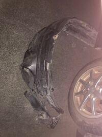 タイヤの前輪周りのカバー?って必要でしょうか。 元々ダボついていたのですが、左右ともに外れてしまいました…  ミライースです。
