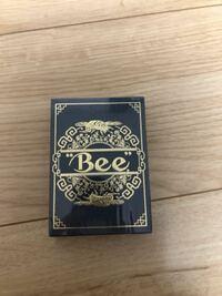 トランプカードについてです。 このBeeは売るとしたらいくらで売れますかね?