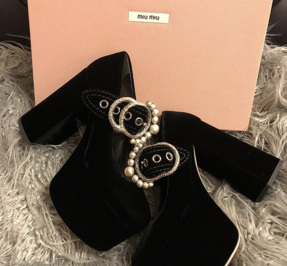 この靴に似た靴が売っているブランド、もしくはサイトを教えてください。