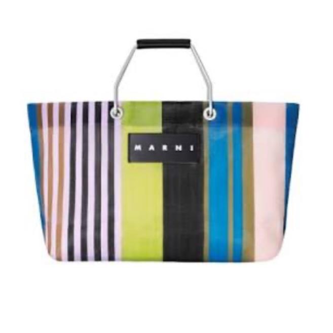 マルニストライプバッグを秋冬に持つのは変ですか?ご意見お願いします。