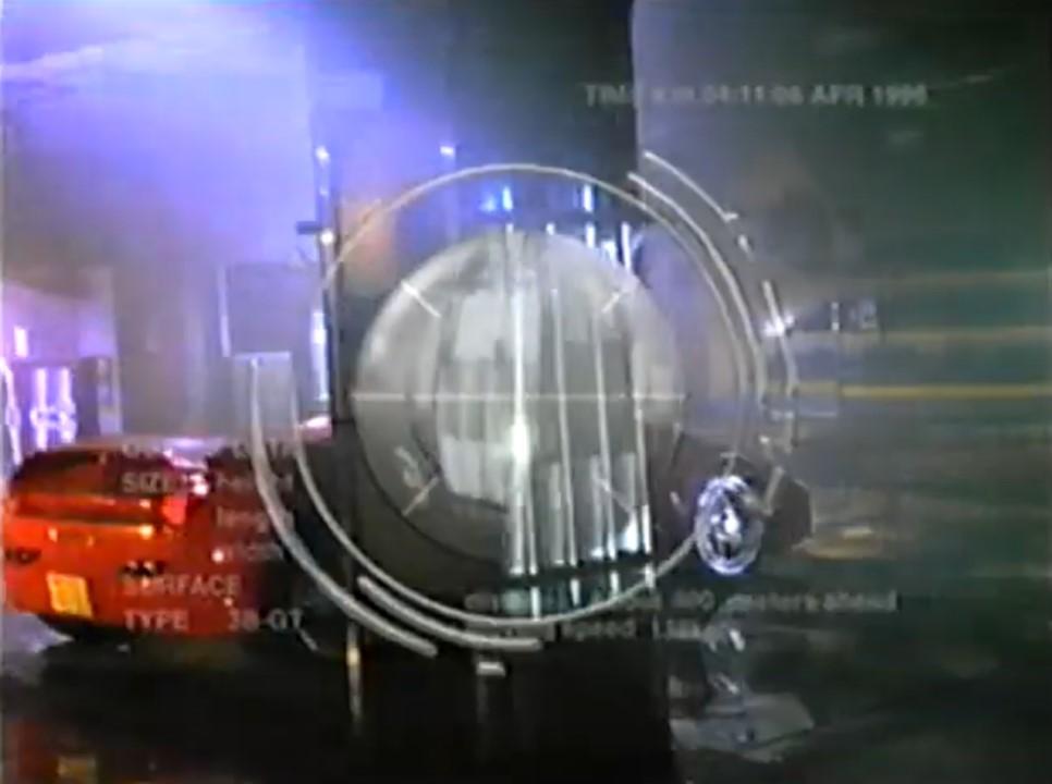 1996年のF1日本グランプリ放送中に流れていたCMの 「カロッツェリア パイオニア」に出てきた赤いスポーツカー のような車は、何という車ですか? 長い間、ずっと気になっていましたので、 わかる...