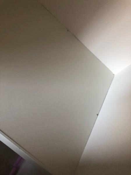 現在新築中です。 一部屋だけクローゼットではなく押入れに してもらったのですが、この所々の隙間って できるものですか? もうクロスも貼り終わってます