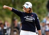 女子プロゴルファーで一番の美人は鈴木愛ですか。 性格も良さそうだし。