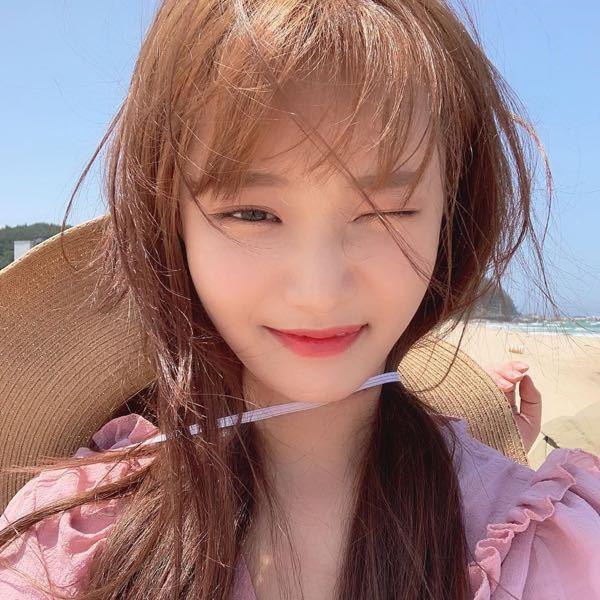 これって誰ですか? 韓国のアイドルだと思います