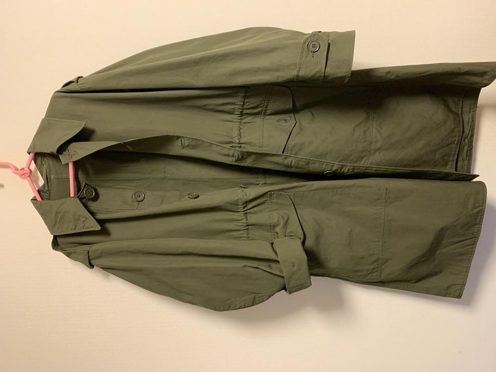 古着屋にてミリタリージャケットを購入したのですが、調べてもどこの何年ものなのか分かりません。 わかる方いらっしゃるでしょうか? 店員さんはスウェーデンだなんだと仰っていた気がしますが...