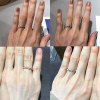 結婚指輪の素材で迷っています。 結婚指輪をショーメのトルサードのダイヤ8石にしようと思っていますが、ゴールドかプラチナどちらにするか悩んでいます。 ・ゴールドの良い点  肌が黄味なのでなじむ  ダイヤの輝...