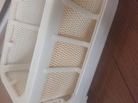 加湿器フィルター掃除について。 写真のような加湿器のフィルターなのですが、 買ったときに10年フィルター交換不要とうたわれており、まだ半分も経ってません。  しかし、去年は一切使わず多分一年半くらいは放...