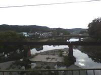 西武鉄道 で 西武池袋線 の 仏子~元加治 の 入間川 にある古い橋のようなものは何ですか?  後、どう思いますか? もしかして 武蔵野鉄道 の時代の 旧入間川橋梁 だったりするのでしょうか?