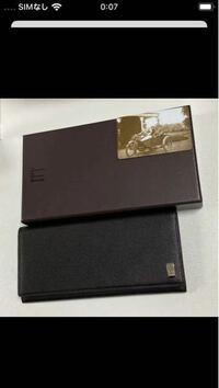 27歳の男性の誕生日プレゼントにダンヒルの長財布をプレゼントしようか考えてるんですがこれは大人っぽすぎますか?