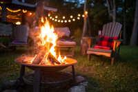『焚き火』を眺めながら聴きたい曲なんてありますか?  やっぱり焚き火のパチパチ音が最高なのは重々承知ですが、敢えて曲なら何にしますか? ほっこり暖かくなれる癒やし系の曲なんか私はいいんじゃないかと思い...