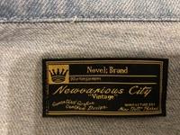 デニムジャケットのブランドが分からないので教えていただきたいです! このようなタグが付いているのですが、Novel:というブランドということですか? よろしくお願いします。