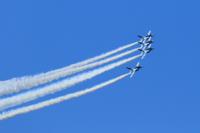 ブルーインパルスの展示飛行BGMについて 2014年度から展示飛行で使用しているBGMを知っている方がいましたら、曲名を教えてください。