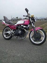 こういうバイクって、違法改造車ですか? こういうバイクに乗りたいです!!