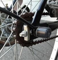 「自転車のメンテの仕方を教えてくれない自転車屋さん」 昨日外出中に自転車のチェーンが外れました。自宅でなら自分で時間を掛けてはめるのですけど、外なので道具は何もありませんし手が真っ黒になるので仕方な...