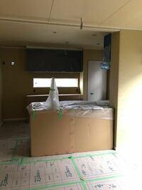 アイランドキッチンに壁がくっいていてカッコ悪い、失敗したた後悔何か打開策ありますか?
