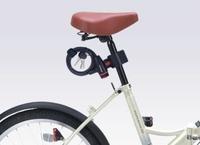 折りたたみ自転車の鍵について質問です。 今回初めて軽量タイプの折りたたみ自転車を購入しました。 鍵はどんな物が使いやすいですか? 写真のような物にしようと思うのですが、鍵自体を車体から外されたら意味が無いような気もします。 軽量自転車ユーザーさんのアドバイス頂けたら助かります。