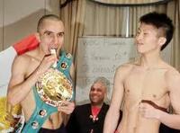 日本人ボクサーは12Kg以上も減量するが外人ボクサーは普段の体重で試合に臨むらしい。  この違いはなぜだろうか?