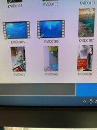 GoogleフォトからPCにダウンロードしたものです。6つのファイルは全て動画なのですが、ファイルによっては画像と同じサムネイルで表示されてしまうものがあり分かりづらいのです。どうすれば動画のサムネイル表示に できますでしょうか? Windows10です