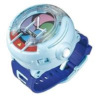 就活用の時計について 現在大学3年生の彼氏の誕生日プレゼントに、就活で使える時計をプレゼントしたいと考えているのですが、このダニエルウェリントンの時計は就活的にNGでしょうか。  CASIOやCITIZENなどの方が無難なのでしょうか?