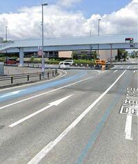 Google Mapのストリートビューの写真です。 この写真にあるような左折専用レーンは、信号に関係なく左折可能なのでしょうか?