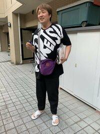 歌謡コーラスグループ・純烈のリーダー・酒井一圭さん(写真)は、なぜ太ってしまったのですか?何か理由でもあるのですか?教えてください。