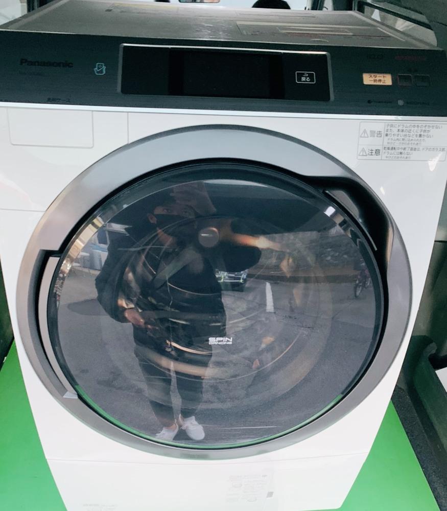 こちららの洗濯機は 写真だけ送られてきた物なのですが 型など詳細を知りたくて調べようと思ったのですが文字などがよく読み取れず、、 Panasonicの乾燥機付き ドラム式洗濯機というところまでは わ