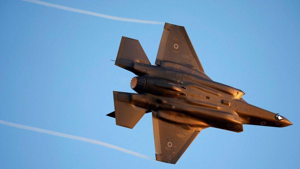 イスラエル軍戦闘機によるとみられるシリア空爆は、デリゾール、アブカマル近郊。親イラン民兵組織や...