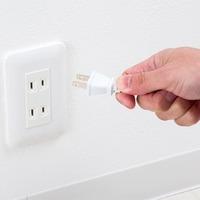 家電製品は、家庭でコンセントを刺した瞬間に寿命が縮むのですか? テレビ、電子レンジ、冷蔵庫、食器乾燥機、洗濯機、掃除機、電気プレートなどなど、様々な家電製品がありますよね。  ですが、知人からあること...