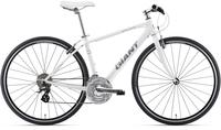 クロスバイクについてです。 自転車修理にあまり詳しくなくgiant escape r3のブレーキパッドを買いたいのですがどれを買えばいいかわからないです。 誰か教えて下さい。