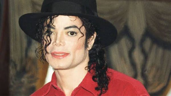 マイケルジャクソン生存説を信じますか。 僕は生きていて欲しいと思っているのですが…