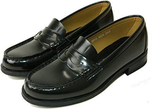 量産型の靴を、学生のころ履いていたローファーをリメイクして作りたいと思っています。 下のような普通のローファー(黒)で、履くところにレースをつけて、靴のセンターに量産型の靴によくあるリボンをつけ...