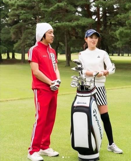 ★★ゴルフの時代錯誤なドレスコード反対★★ カジサックはジャージでゴルフをしているようです。 ゴルフ場はゴルフウェアメーカーが作ったジャージならOKだそうです。 ゴルフウェアメーカーがもっと沢山...