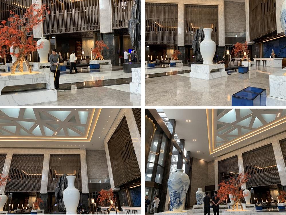 こちらの写真ですが中国・北京市内のホテルの1階ロビーです。 ここのホテル名を教えてください。 よろしくお願いします。