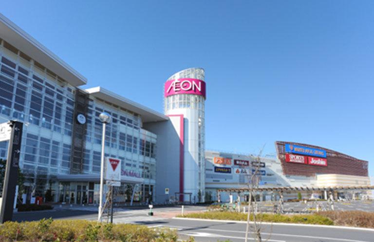 埼玉県羽生市のイオンモール羽生の中央にあるガラスの柱は何やねん?