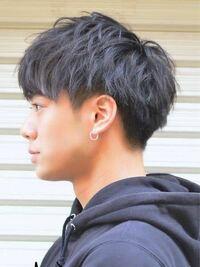 この髪型は後ろはツーブロだと思うのですが、サイドはツーブロなのでしょうか?もみあげだけ刈り上げてる?