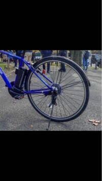 ブリヂストンの電動自転車「tb1e」を購入しました。 以前使っていたクロスバイクと同じように、スピーディーに開閉できる、ボタン式リング錠に取り替えたいのですが、この自転車のようにVブレーキでは無い車体に取り付けられるものをご存知ないでしょうか。  自転車屋さんで訊ねたのですが、ブリヂストンのカタログには無いようでした。  宜しくお願い致します。