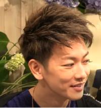 この髪型について質問です。この髪型はワックスなしだとおかしい髪型になりますか?またツーブロじゃないとおかしいですか? おかしくなければこれに近い髪型にしたいのでご回答お願い致します。