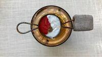 シーリングスタンプのワックスを溶かすスプーンについて 海外のシーリングスタンプの動画によく出てくる、スプーンの先に金具が付いていてキャンドルの上に直接置けるようになったスプーンは何と言う商品でしょう...