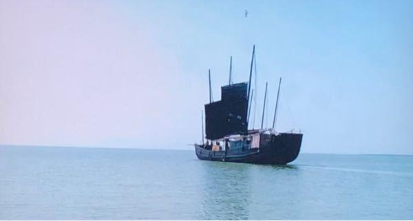 中国ドラマ「月に咲く花の如し」で涇陽から上海へ行くシーンがあったのですが、その移動手段が船でした。 涇陽って内陸にあるのになぜ船なのでしょうか?映像を見る限り川ではなく海のように見えます。