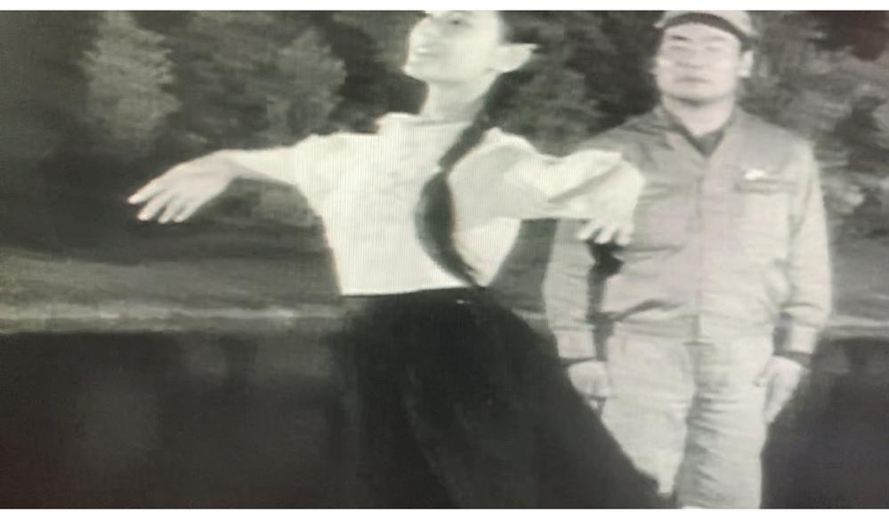 渥美清の「泣いてたまるか」の「帰れ!わが胸に!」の回で女性が踊ってる時の曲分かる方いますか?