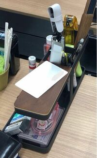文房具に詳しい方、下の写真のペン立てはどこのメーカーの商品か分かりますでしょうか? このペン立てが欲しいのですが…