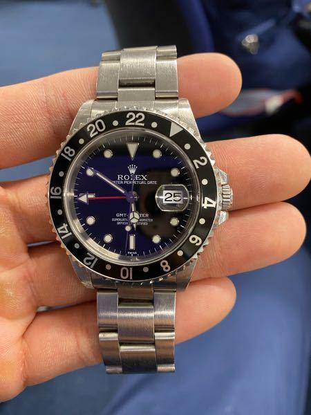 家でおじいちゃんの部屋にあった時計です。 ロレックスのGMTマスター1って時計らしくかなり古い時計だとか。 新品の定価って調べても出てこないのですが これって当時新品だといくらくらいなのですか?