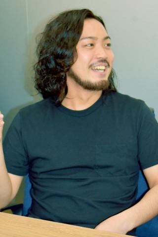 菅総理の長男 ロン毛まではわかるけど なぜ顔や名前をださないの?